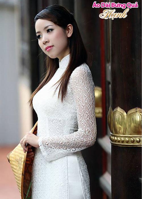 Áo dài trắng ren lưới cổ truyền thống tay dài cúp ngực