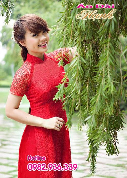 Áo dài đỏ tươi ren lưới cổ truyền thống tay ngắn lót ngực